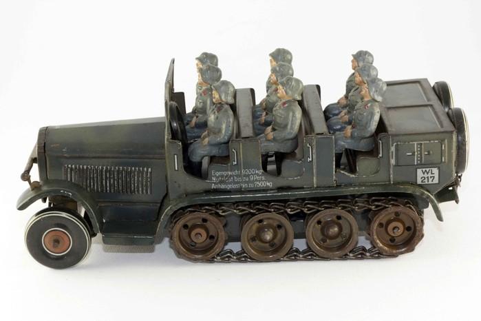 Camion militare con cingoli 217 - 1930